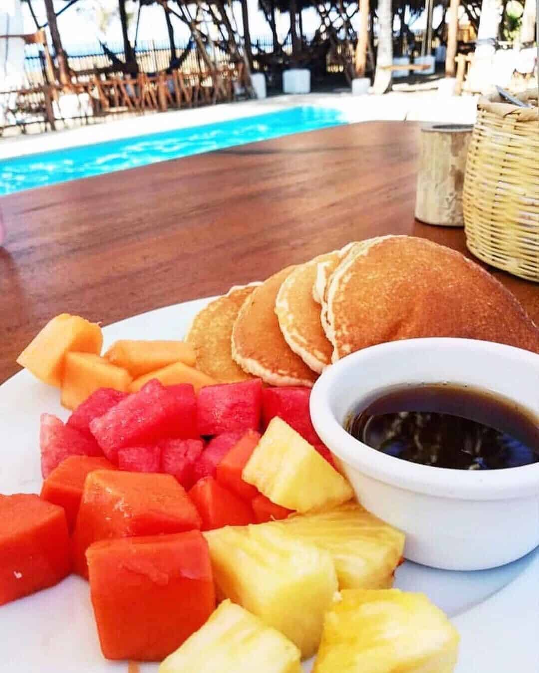 Paredon Surf House Breakfast